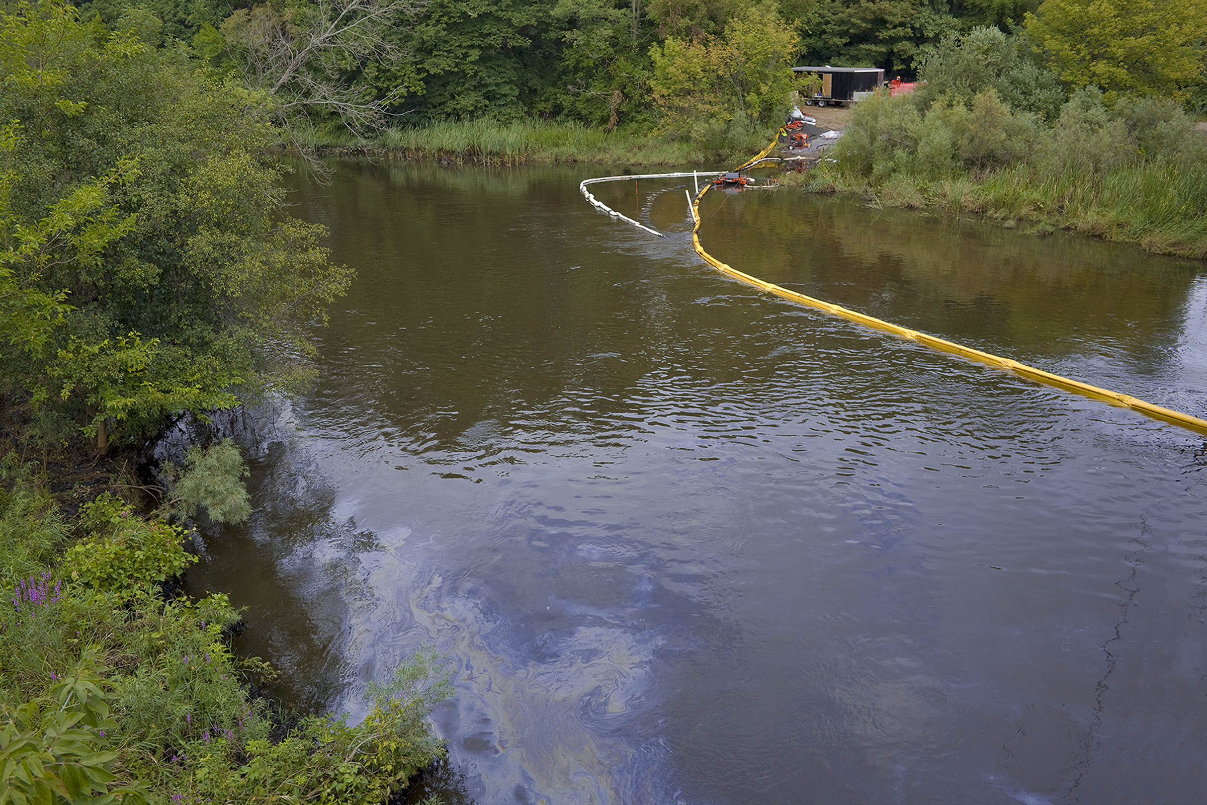 Oil Spill in Kalamazoo River, South Wattles Road Bridge, Battle Creek, Michigan 2010