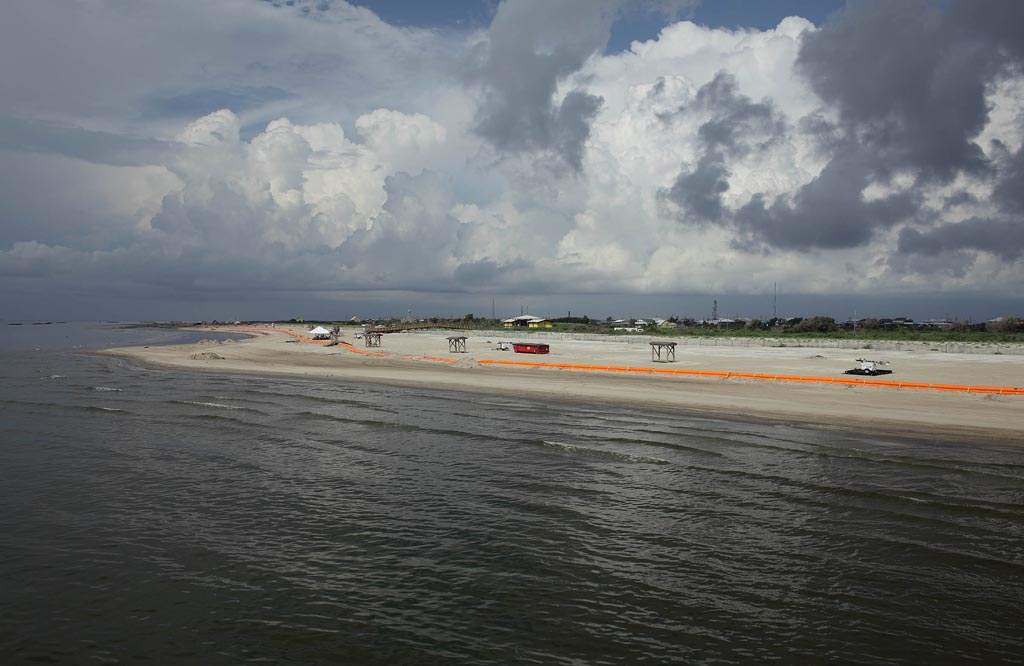 1-grand-isle-st-park-from-fishing-pier-closed-for-bp-clean-up