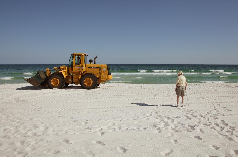16-resident-watching-front-end-loader-bp-clean-up-pensacola-beach_1